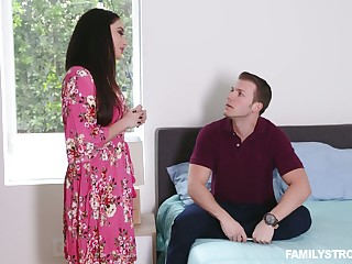 Stepson fucks smoking hot brunt step mommy with big boobs Sheena Ryder