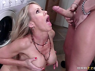 Blonde mature Simona Sonay fro big fake tits gets cum in mouth