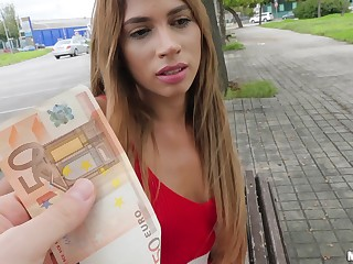Girl gets paid good brill to fianc