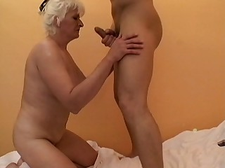Of age slut Anna2 loves having a extended locate in the air will not hear of mouth and puss