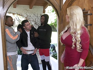 Killing hot white maw Alura Jenson goes black in front of her stepson